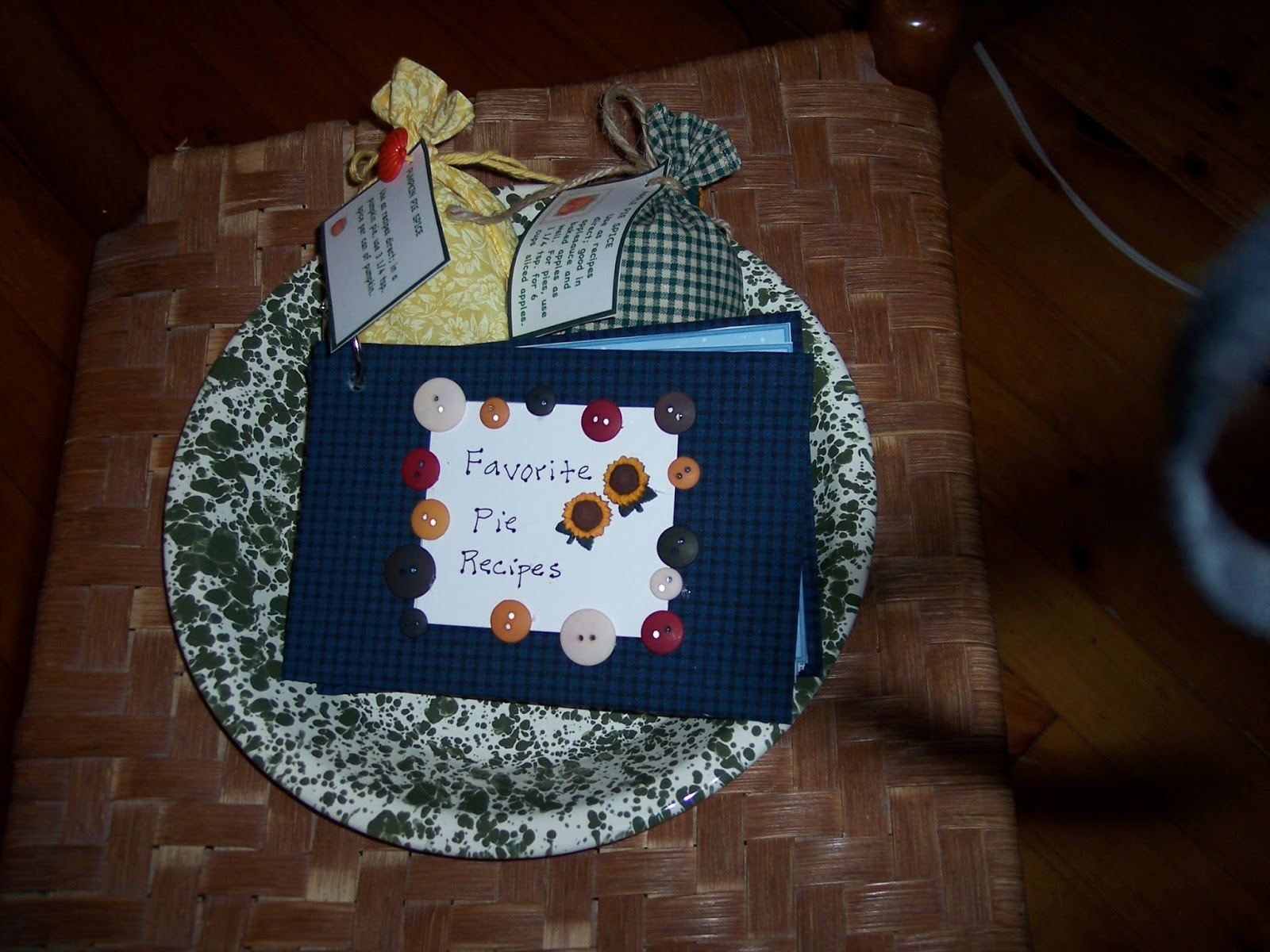 Mrs.T\'s Christmas Kitchen: Some small and simple kitchen gifts