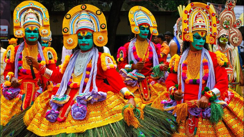 Attachamayam - A colourful procession from Thrippunithara, considered to be the place where Mahabali left Earth from.