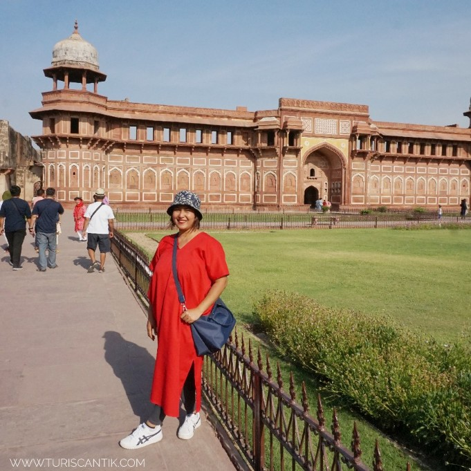 Barang bawaan wajib ke india