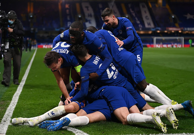 Chelsea players celebrating Real Madrid win