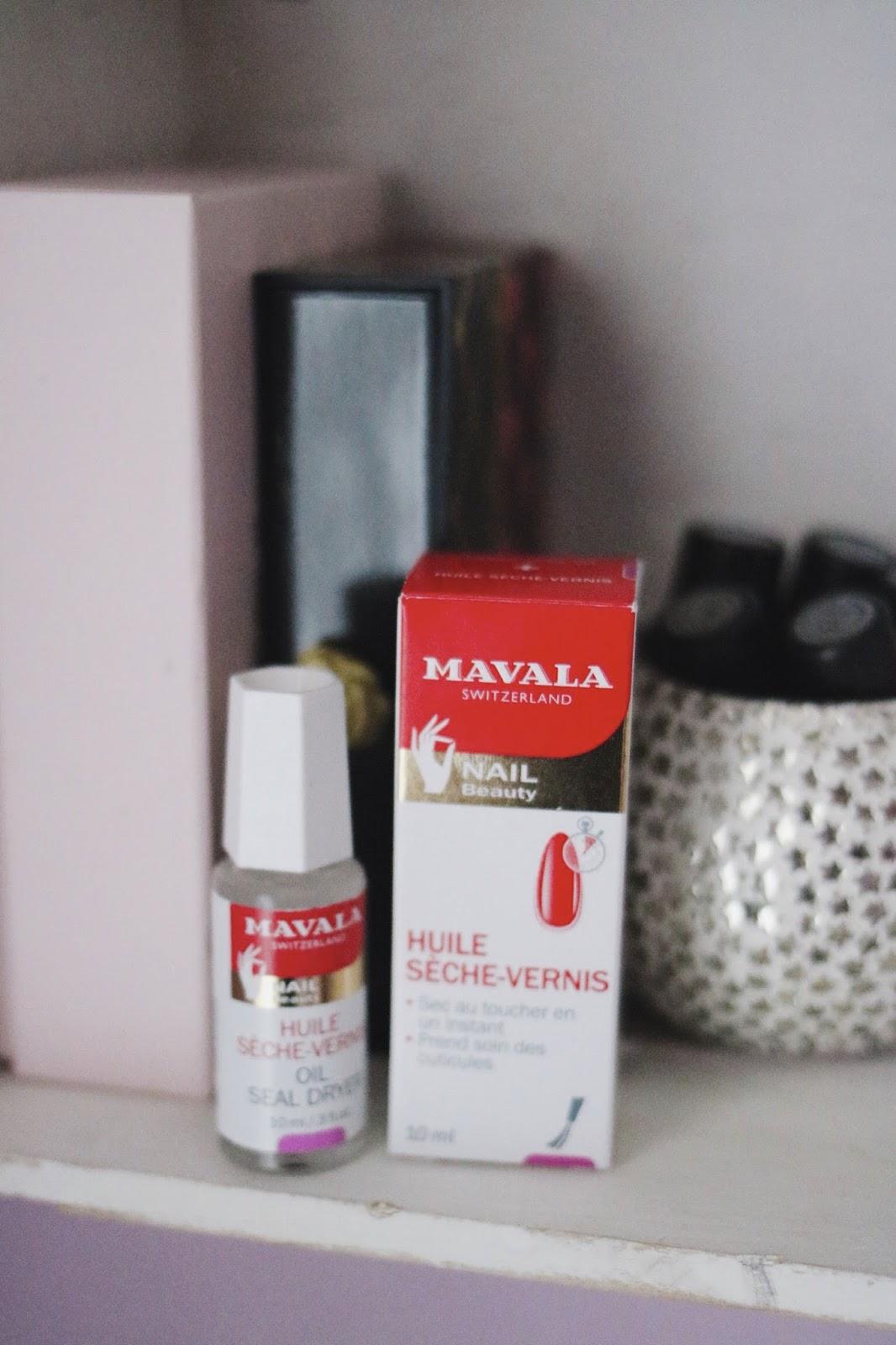 rosemademoiselle-rose-mademoiselle-mavala-huile-sèche-vernis-avis-revue-blog-beaiuté-indispensable-vernis-manucure