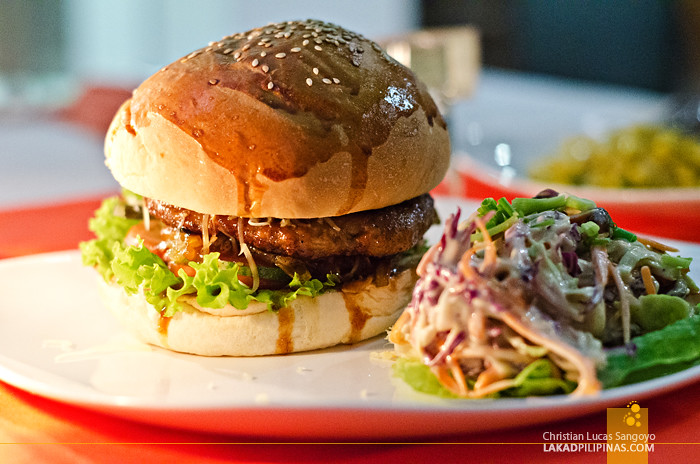The District Boracay Star Lounge Burger