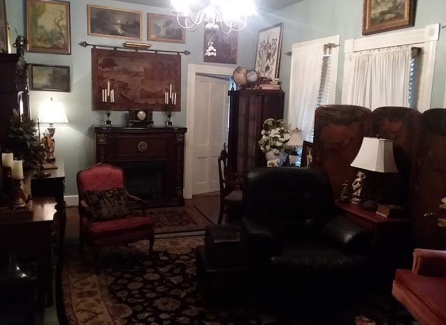 Eye For Design: My French/English Old World Sitting Room