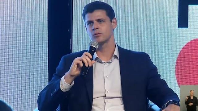 Novo Bolsa Família será de R$ 300 e começa em novembro, diz secretário