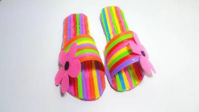 Cara Membuat Sandal dari Sedotan