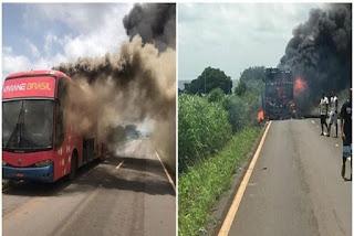 Ônibus de cantora de forró pega fogo durante viagem