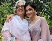 mehreen kaur pirzada with her mother