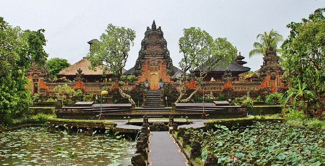 """Top Places to Visit In Southeast Asia"""