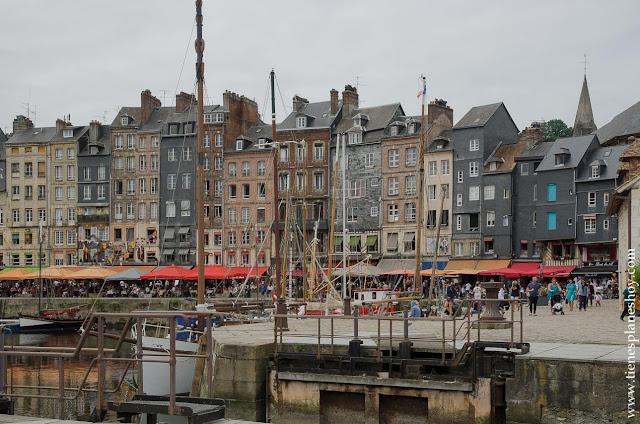 Honfleur ciudad mas bonita Normandia viaje