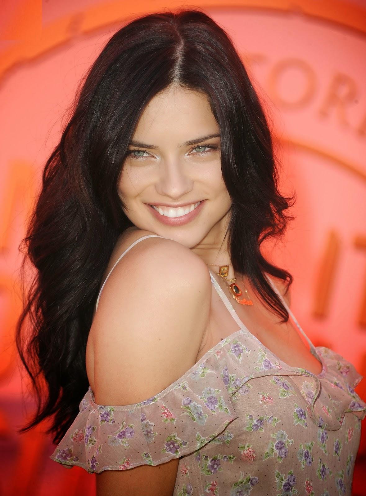 Brazilian Victoria's Secret Fashion Show Model Actress Adriana Lima Full HD Photos & Wallpapers