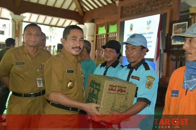 Bupati Haryanto Ungkap Alasan Pemberian Tali Asih Berupa Bingkisan