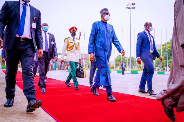 Buhari Leaves For London For A Medical Check-up (photos)
