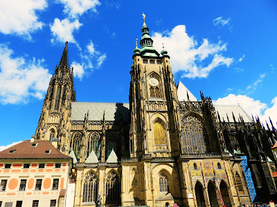 https://s-fashion-avenue.blogspot.it/2017/06/travel-diary-prague-castle.html