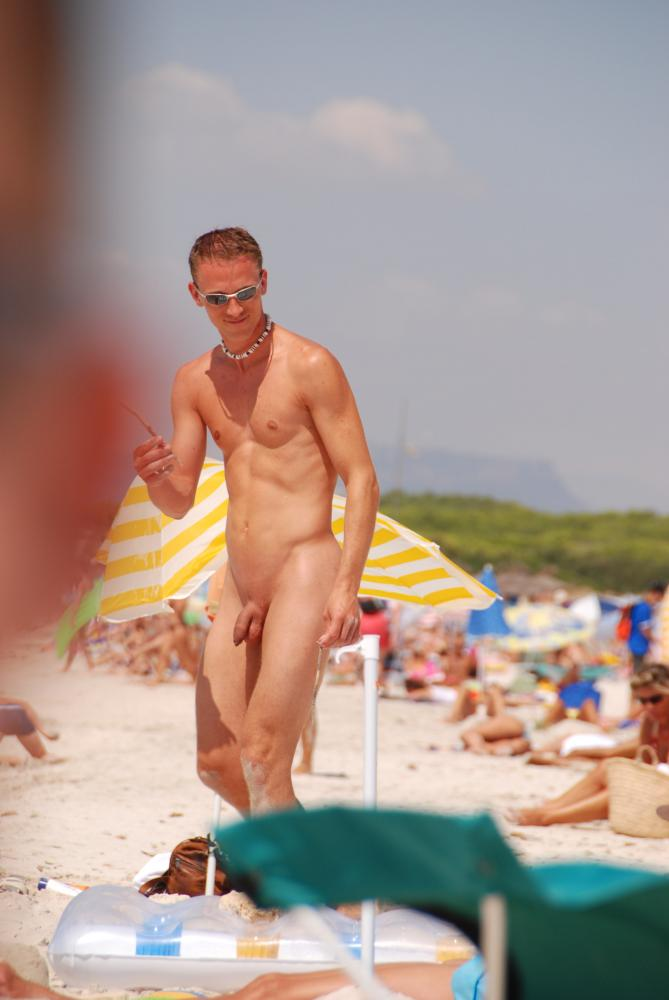 Hot Guy Nude Beach Porn - Hot guy in nude beach