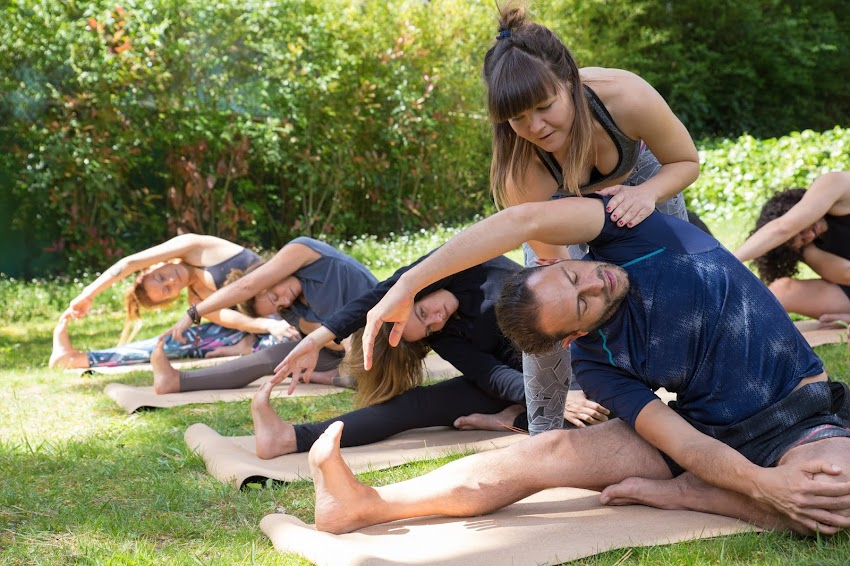 El consumismo vs la regularidad entorno a la práctica de Yoga.