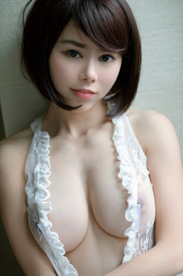 Hot and sexy naked photos of beautiful busty asian hottie chick Chinese nude model Shen Jiaxi photo highlights on Pinays Finest Sexy Nude Photo Collection site.