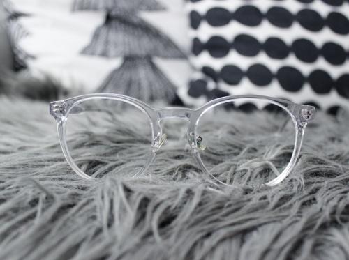 Älä viivyttele uusien lasien hankinnan kanssa! Optikko kertoi pahimmat silmälasimokat