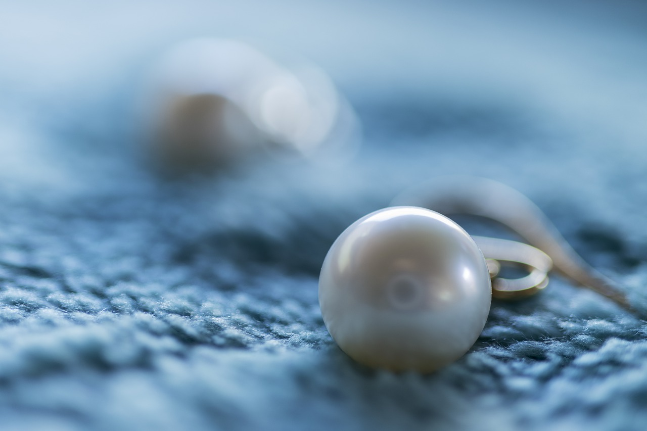 Jewelry Guide: Pearl earrings