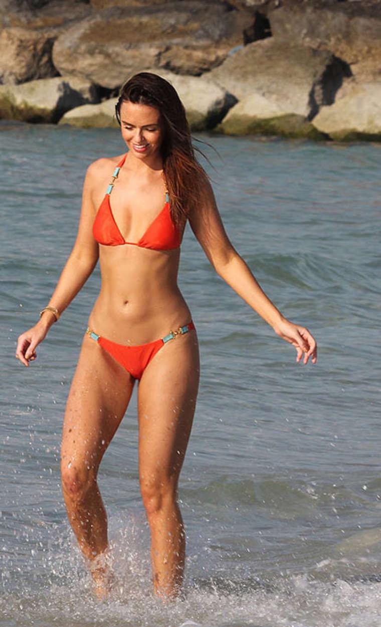 Jennifer Metcalfe Sexy Orange Bikini Candids In Dubai