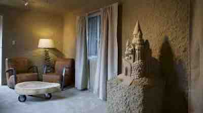 Sand Hotel, Holland