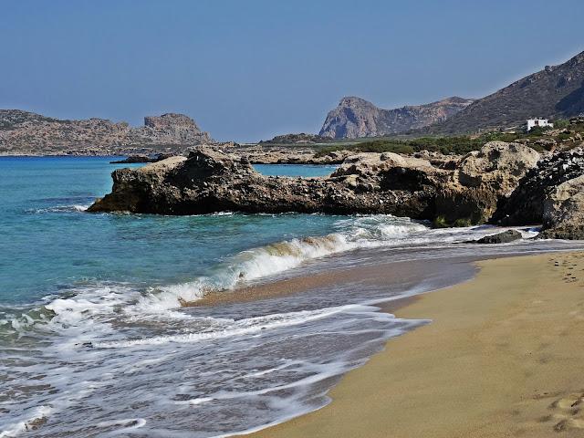 wybrzeże greckie wyspy plaże i morze