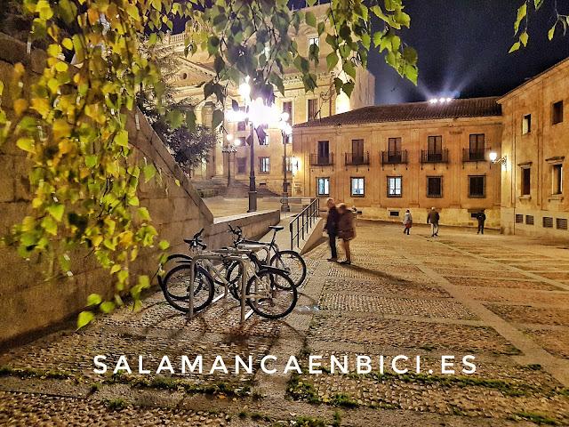 Salamanca en bici, aparcabicis, PLaza de Anaya, red de aparcamientos bici