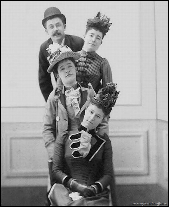 Weird Vintage Photography   e MORFES   Weird Retro Photography