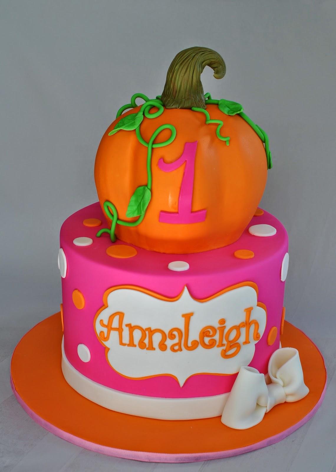 How To Make A Pumpkin Shaped Birthday Cake