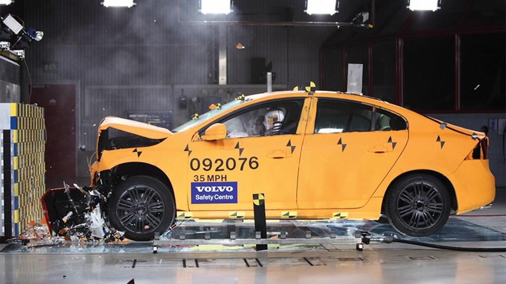 Vùng hấp thụ xung lực sẽ giảm thiểu lực tác động nguy hiểm cho con người và phương tiện khác khi gây ra tai nạn