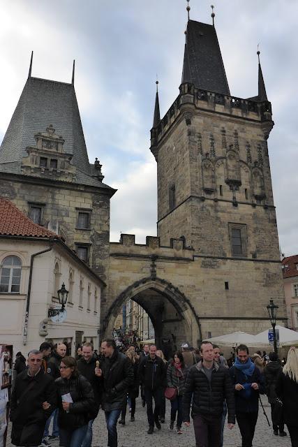 Tours du Pont Charles Prague (côté Mala strana)