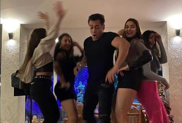 Salman Khan Dances with Star kids on the Table, Inside Photos of New Year Party gone viral