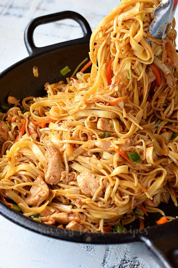easy chicken and noodles in a wok