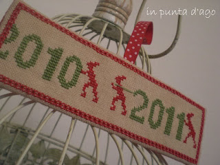http://silviainpuntadago.blogspot.it/2010/12/les-lutins-i-folletti-di-questo-free.html