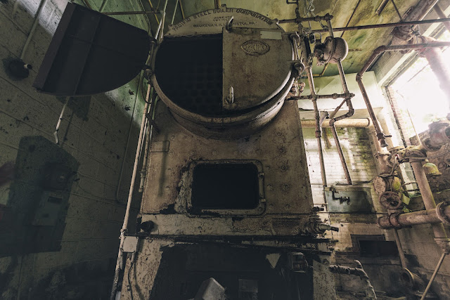 large silver pacific steel boiler
