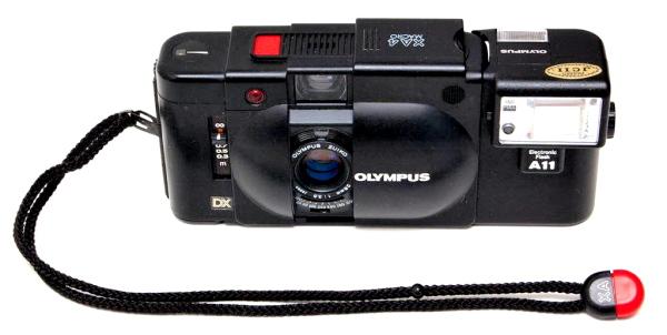 Olympus XA 4 Macro, Top Front