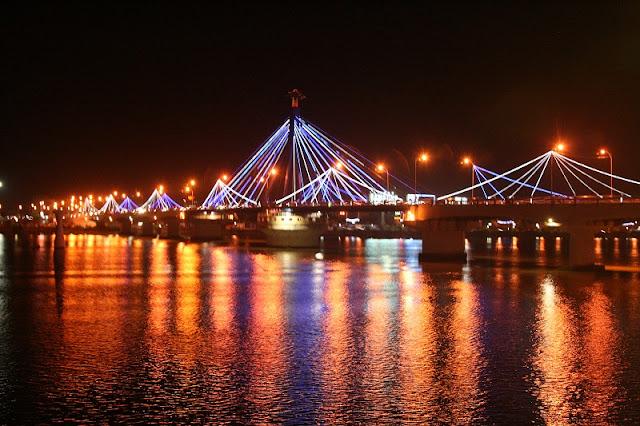 Da Nang - An Asia-Pacific pearl glows in VietnamDa Nang - An Asia-Pacific pearl glows in Vietnam