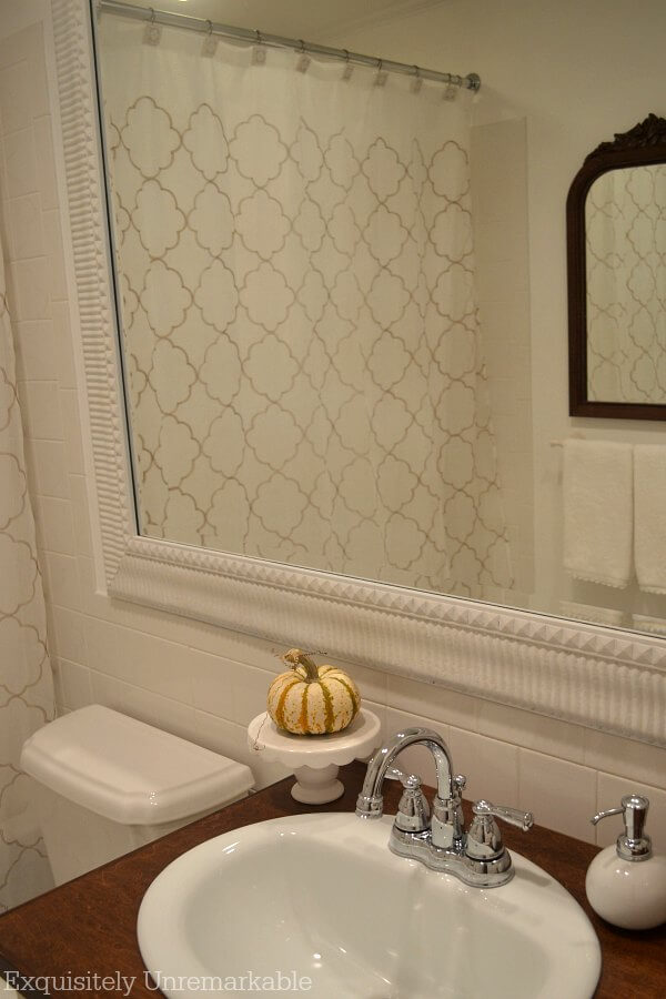 Fall Bathroom Farmhouse Decor
