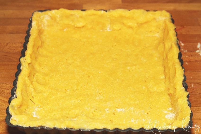 Przepis na tartę z kremem pomarańczowym.