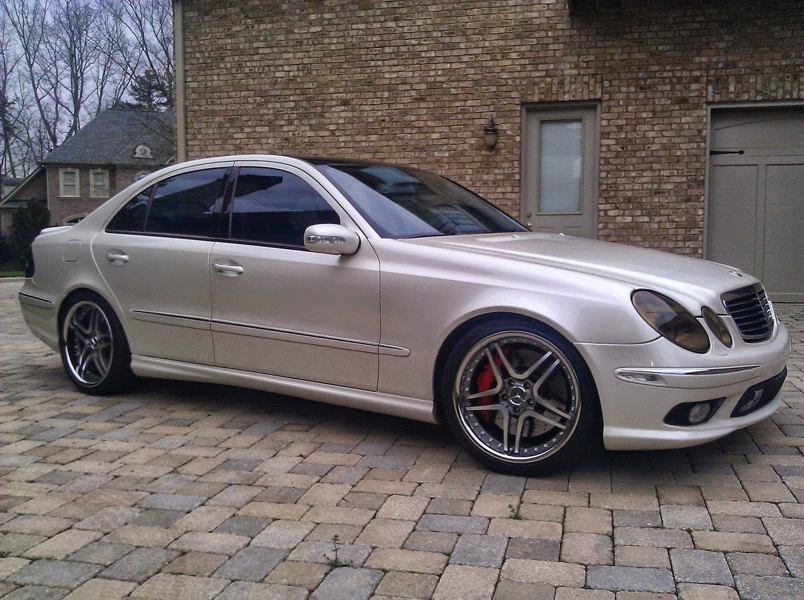 mercedes benz w211 e55 amg on autobahn wheels benztuning. Black Bedroom Furniture Sets. Home Design Ideas