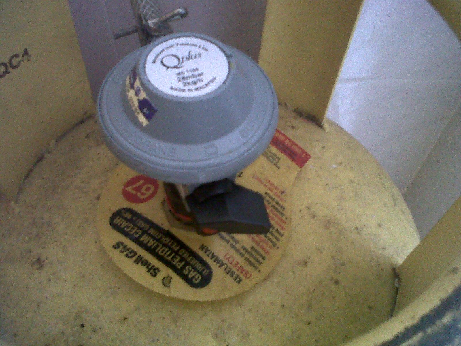 Rkan Kunci Kepala Gas Ke Arah Kanan 90 Darjah Kat Sini Lock Posisi Tapi Tak Keluar Dari Tong