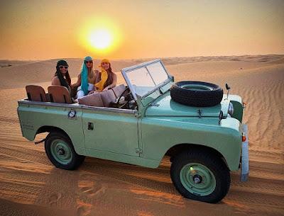 Giovanna Lancellotti durante passeio no deserto em Dubai — Foto: Arquivo pessoal