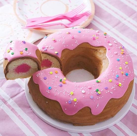 GIANT DONUT CAKE #Dessert #Donut
