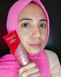 Review Pond's age miracle Youthful Glow