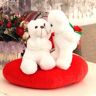 Gambar Wallpaper Teddy Bear Putih Berbagi Kasih Sayang