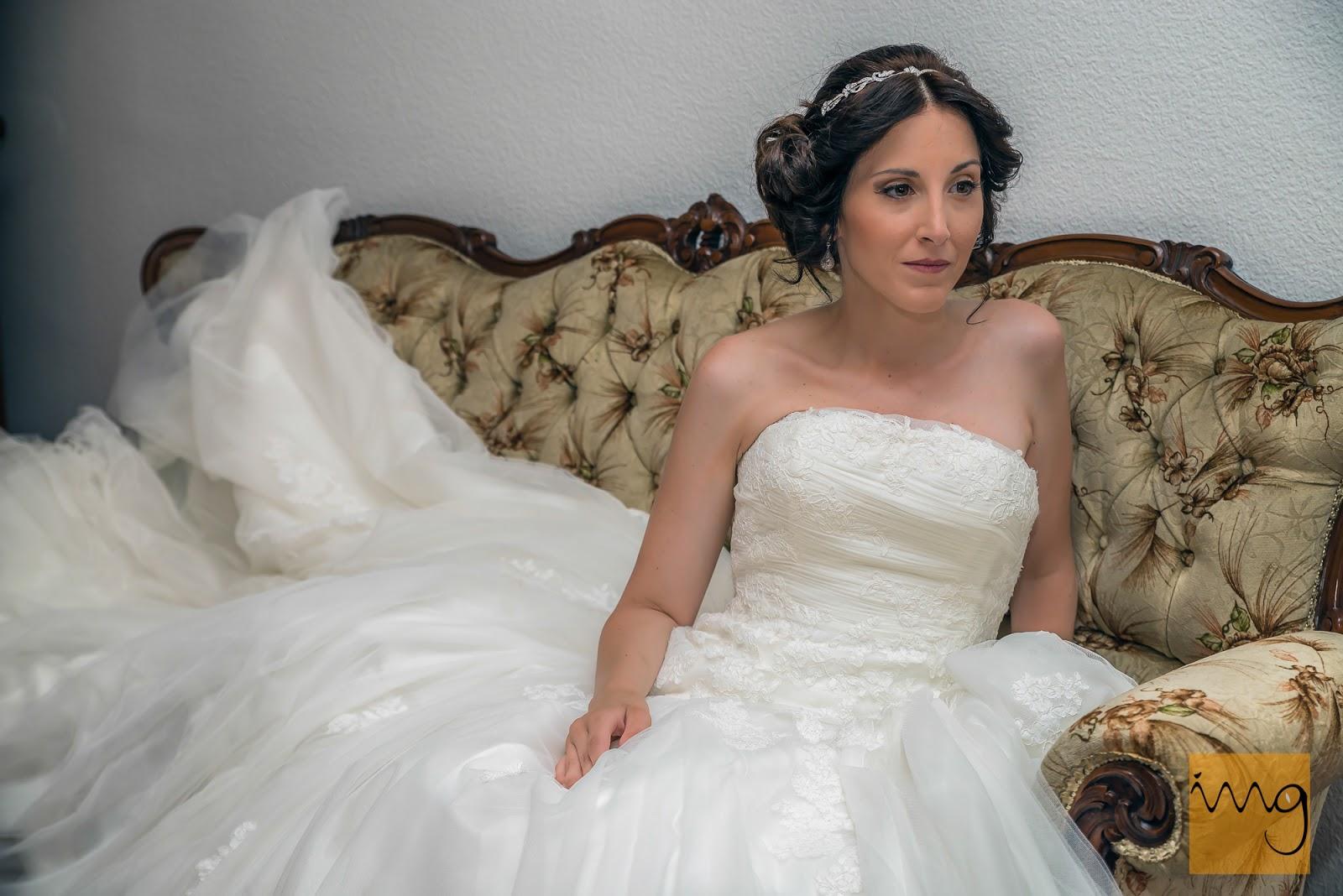 Fotografía de la novia sentada