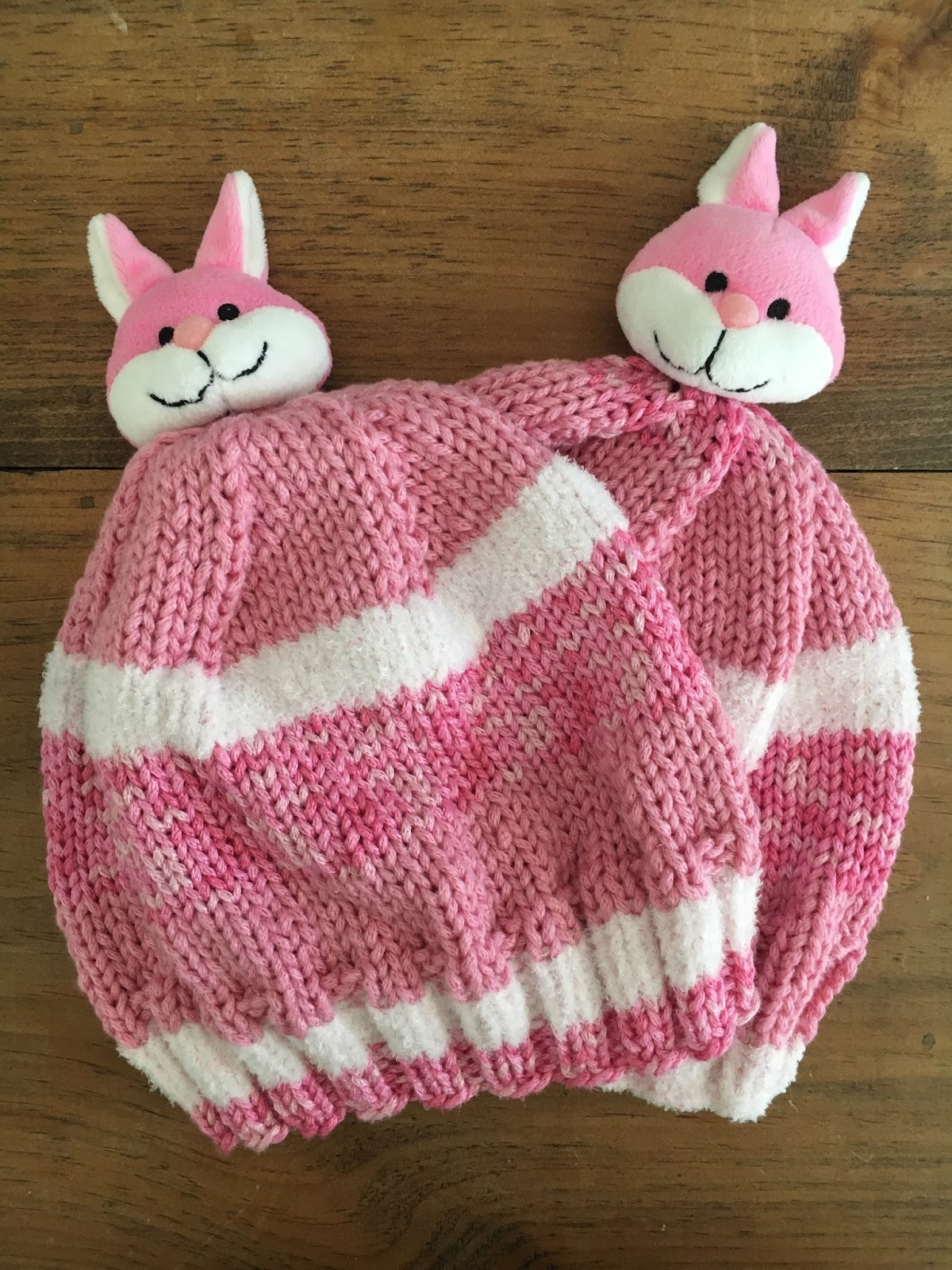 Cookin\' & Craftin\': Knitting: Bunny Hats