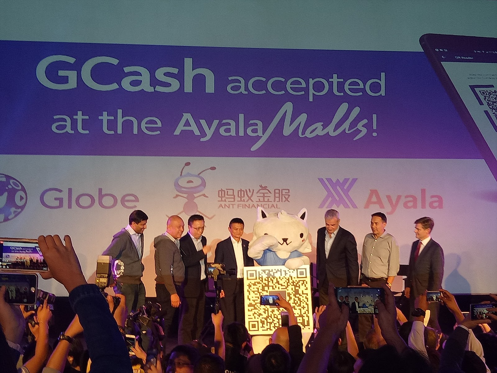Jack Ma graces the launch of GCash that leads future of payments in