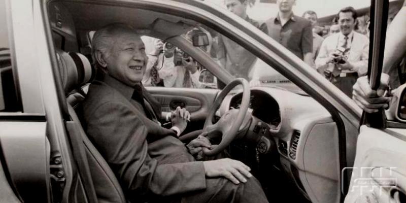Pak Harto perintis Jalan Tol Pertama di Indonesia