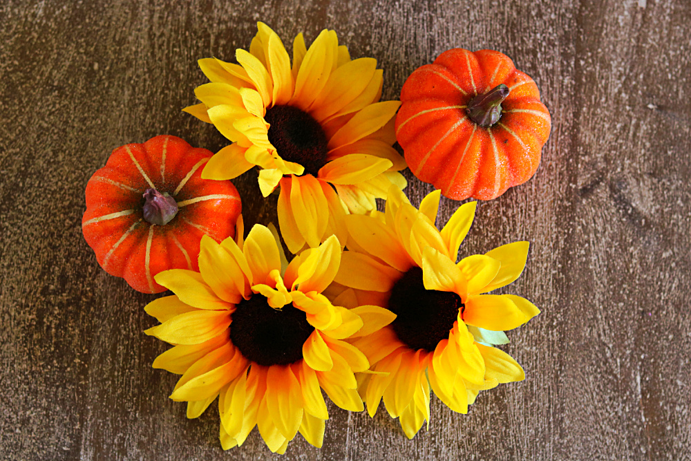 craft-fall-sunflower-wreath-easy-fast-holiday-athomewithjemma