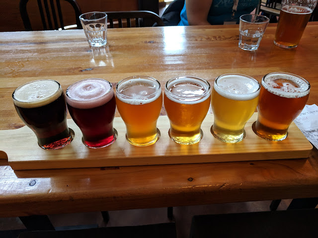 2 weeks in New Zealand: Taste New Zealand craft beer in Nelson. Paddle of beers from Eddyline